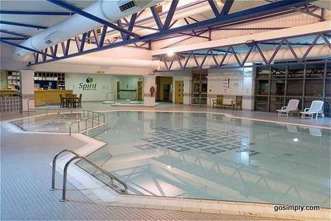 Heathrow Crowne Plaza Hotel swimming pool