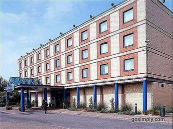 Novotel Heathrow Airport exterior