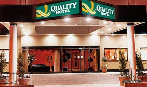 Exterior of the Quality Hotel Heathrow