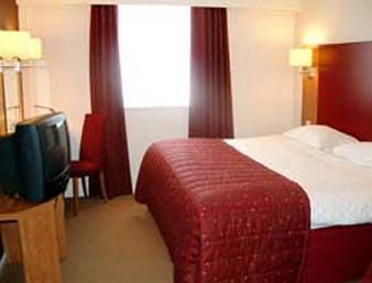 Bedroom at the Days Inn Hotel at Luton Airport