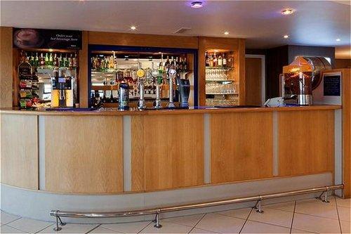 Holiday Inn Express Luton Airport Unbeatable Hotel