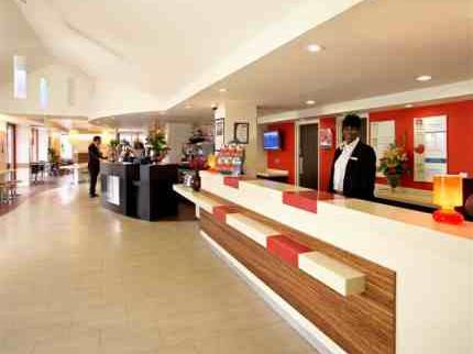 Reception area at the Ibis Hotel near Luton Airport
