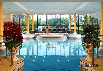 Swimming pool at the Marriott Hotel Manchester Airport