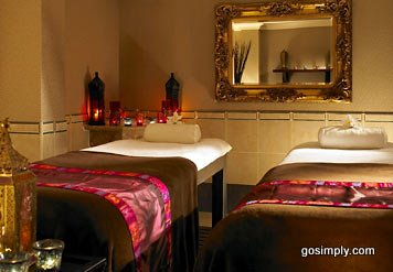 Manchester Airport Marriott Hotel spa treatment room