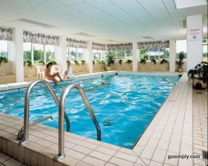 Swimming pool at the Radisson SAS Manchester Airport