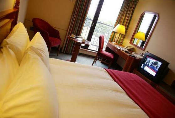 Double bedroom at the Hilton Metropole Hotel Birmingham Airport