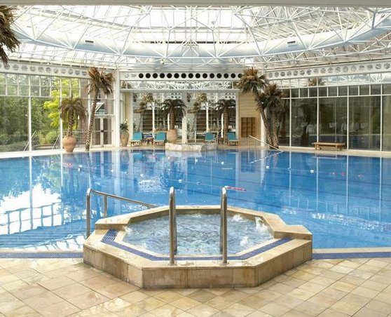 Birmingham Airport Hilton Metropole Hotel swimming pool and Jacuzzi