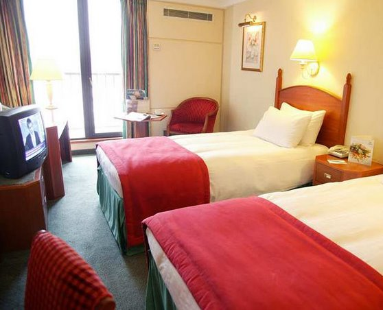 Twin room at the Hilton Birmingham Airport Metropole Hotel