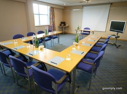Gatwick Ramada Plaza conference room