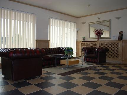 Hotel Cardiff Airport Lobby