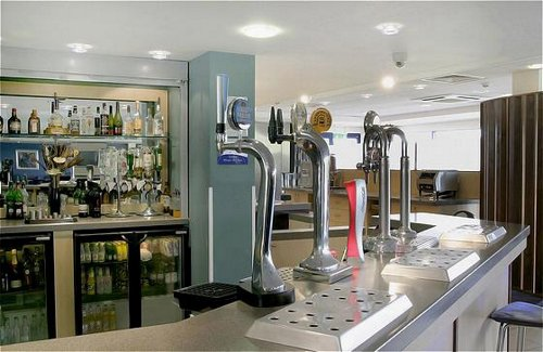 Bar at the Holiday Inn Express Cardiff Airport