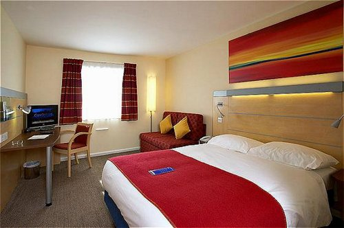 Family bedroom at the Cardiff Airport Holiday Inn Express