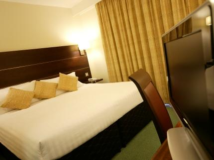 Double room at the Leeds Bradford Airport Ramada Parkway Hotel