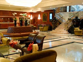 Heathrow Radisson Edwardian hotel lobby