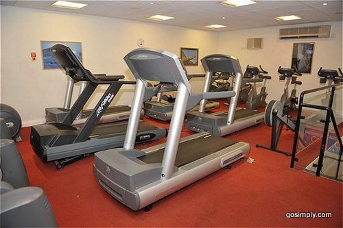 Gymnasium at the Manchester Airport Holiday Inn
