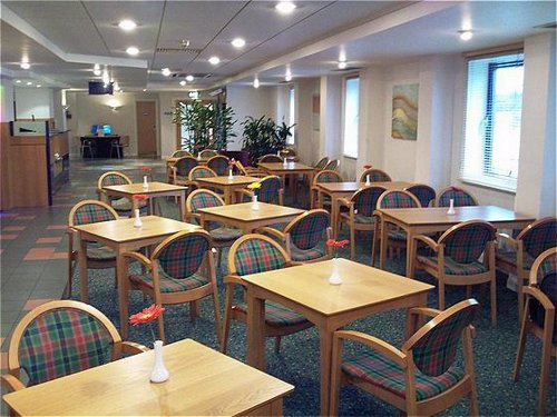 Express by Holiday Inn Castle Bromwich Birmingham Airport breakfast area