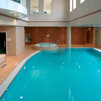 East Midlands Yew Lodge Hotel swimming pool