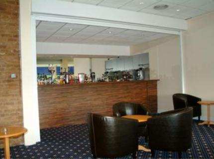 Bar at the Chiltern Hotel Luton