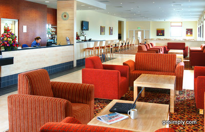 Belfast Airport Express by Holiday Inn reception area
