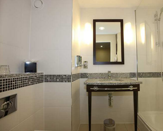 Bathroom at the Hampton by Hilton Liverpool Airport hotel