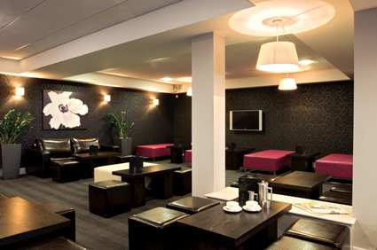 Lounge at the Bristol Airport Hilton Doubletree Cadbury House Hotel