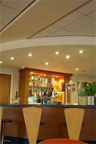 Holiday Inn Express NEC Birmingham Airport lobby bar