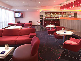 Bar and lounge at the Novotel Birmingham Airport