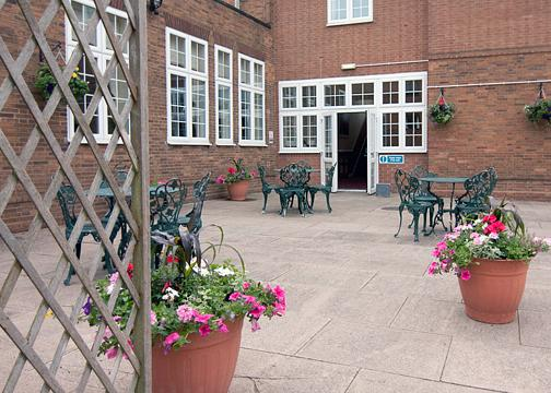 Courtyard at the Coventry Quality Hotel near Birmingham Airport