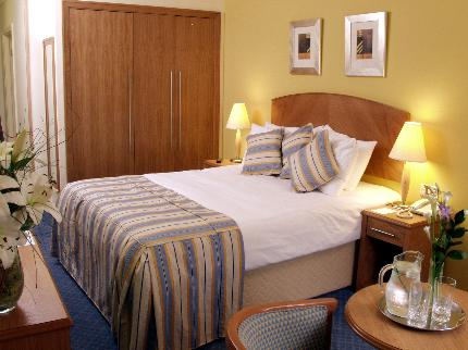 Standard guest room at the Kegworth Whitehouse Hotel near East Midlands Airport