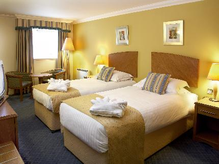 East Midlands Airport Kegworth Whitehouse Hotel twin room