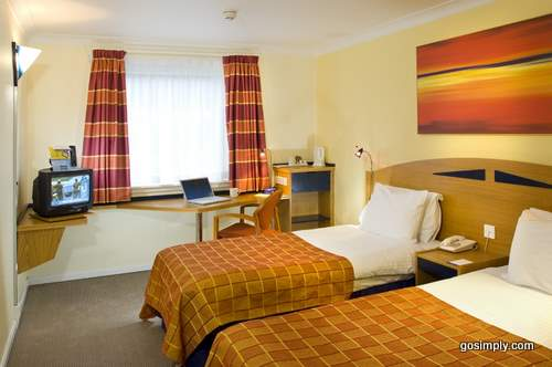 Glasgow Airport Express By Holiday Inn Unbeatable Hotel