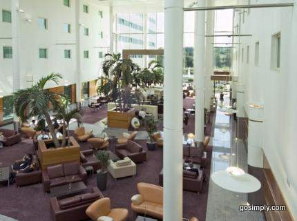 Gatwick Arora International Hotel communal area