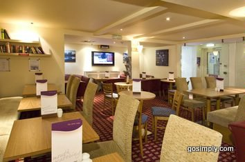 Gatwick Premier Travel Inn Central dining room