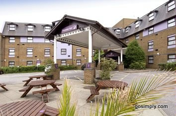 London Gatwick Premier Travel Inn Central exterior