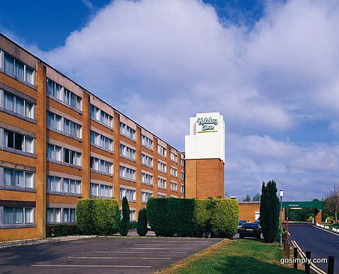 Exterior of the Holiday Inn Gatwick