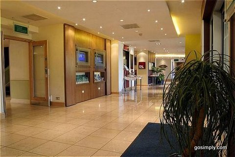 Lobby at the Holiday Inn Gatwick