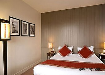 Guest room at the Mercure Hotel Gatwick