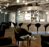 Louis' Tavern Cip First Class Lounge