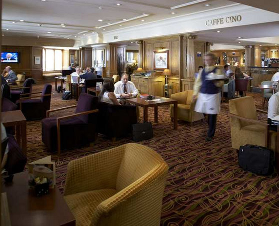 Hilton East Midlands Airport Hotel Piano Bar